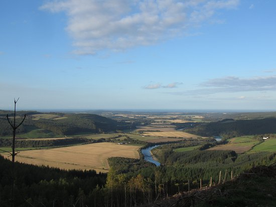 Aviemore, UK: View over the Spey glen