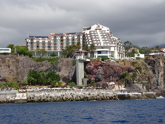 Hotel The Cliff Bay: view from sea side