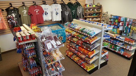 Island Park, ID: Convenient Store located inside lodge