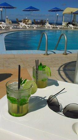 Zorbas Beach Village Hotel: Excellent mojitos!!