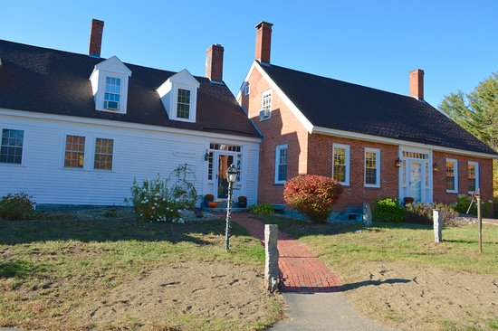 Olde Orchard Farm: View from Outside