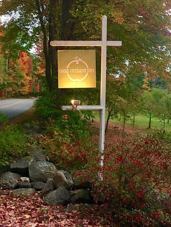 Olde Orchard Farm: Beautiful entrance