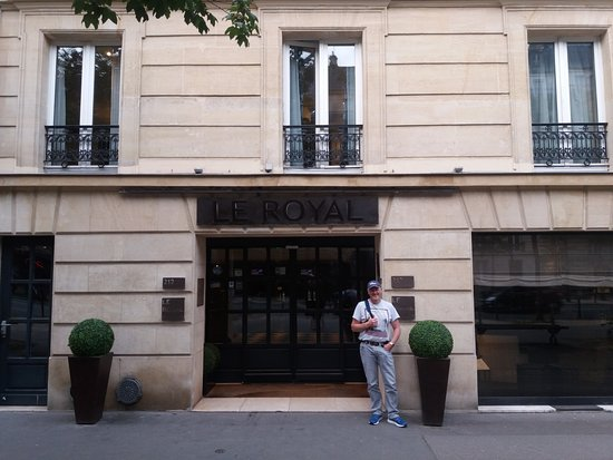 Hotel Le Royal : Thats me in the photo