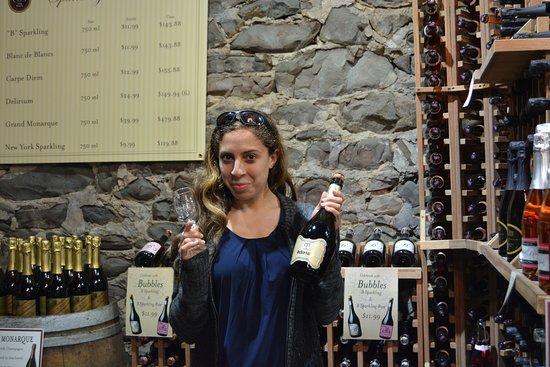 Stone Ridge, นิวยอร์ก: Happy selection at Brotherhood Winery