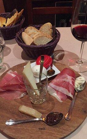 Borgo San Lorenzo, İtalya: Appetizer selection
