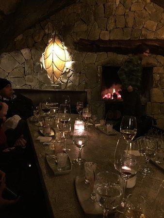 La cueva restaurante no topo do cerro catedral passeio for Restaurante la cueva zamora