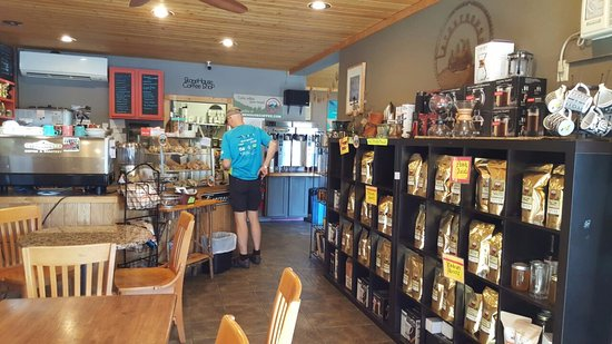 StoneHouse Coffee & Roastery : Lots of coffee options.