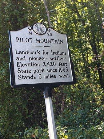 Pinnacle, Carolina do Norte: photo1.jpg