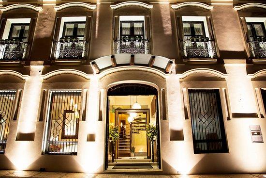 Plaza Gallery Hotel & Boutique: ENTRADA PRINCIPAL