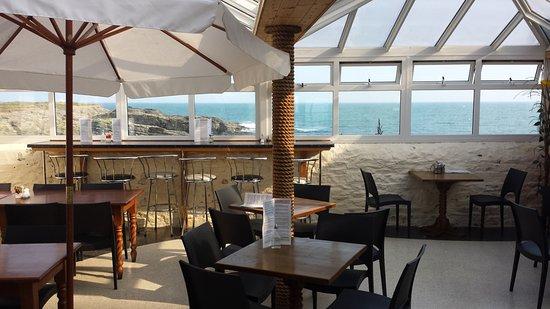 Fethard On Sea, Irland: Restaurant sitting area