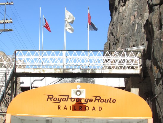 Royal Gorge Route Railroad: The train stops for a moment of silence