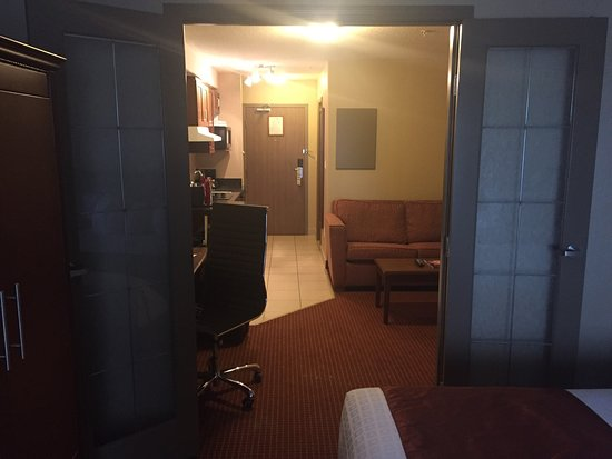 Merit Hotel & Suites: photo2.jpg