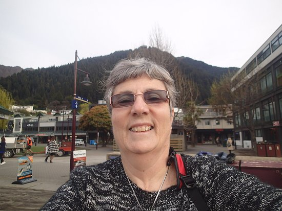 Queenstown Mall: Selfie time