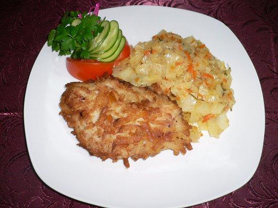 капуста тушеная с филе курицы
