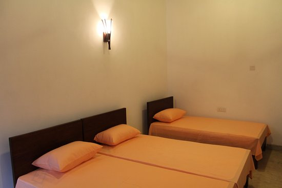 Green Villa Kandy: Deluxe Triple Room (Air Conditioned)
