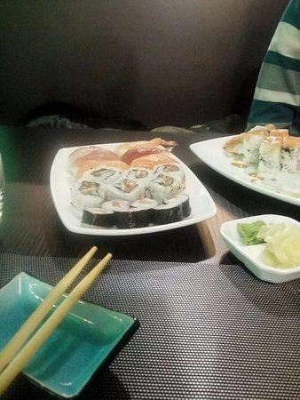 Tuna Sushi Restaurant Giapponese Di Hu Liqiu: Sushi misto