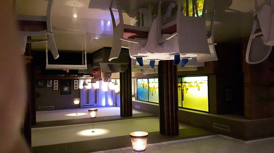 Al Mandra Restaurant: Très bon restaurant entre amis