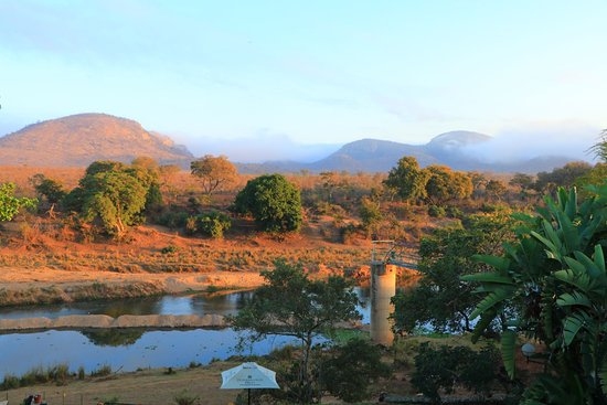 Malelane, Afrika Selatan: Kruger at sunrise - view from third floor room