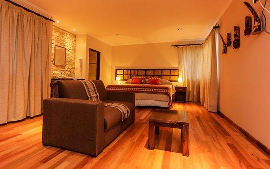 El Refugio Hotel & Suites