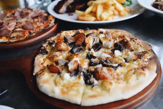 Whangaparaoa, Nueva Zelanda: Wood Fired Pizza