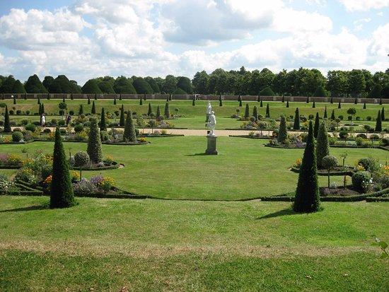 Hampton Court Park