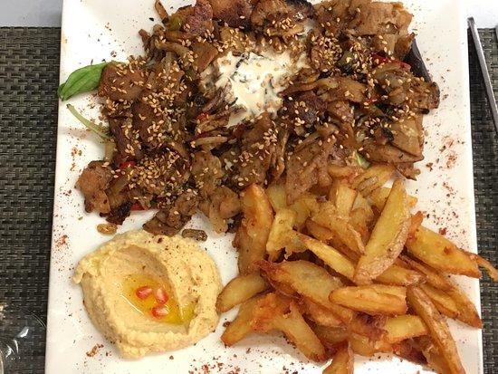Le Mont Liban : Plat du Jour - chicken and veal
