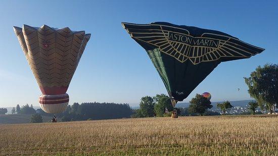 Warstein, Niemcy: tolle Sonderformen, hier bei einer Landung