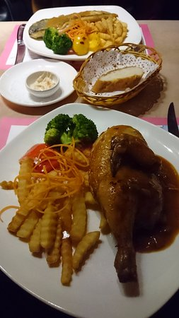 pink salmon cafe & restaurant : MAIN COURSE