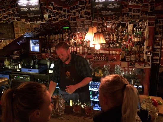 No Stress: bar in the mideval center of Bergen