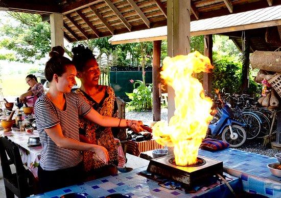 Lamphun, Tailandia: Thai fast food