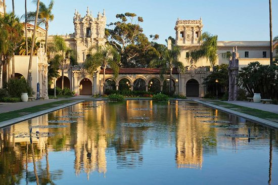 DoubleTree by Hilton Hotel San Diego - Mission Valley: Reflection Pool at Balboa Park