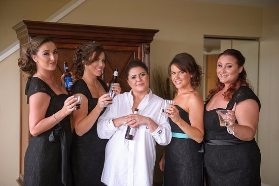 DoubleTree by Hilton Hotel Deerfield Beach - Boca Raton: BRIDAL PARTY, getting ready in the suite