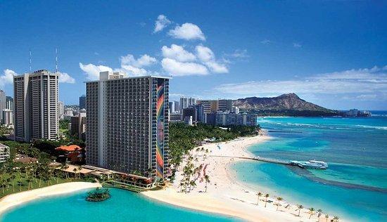 Hilton Hawaiian Village Waikiki Beach Resort: Hotel Exterior