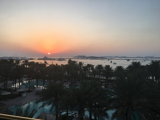 The Palace at One&Only Royal Mirage Dubai: Sunset view from our room. xxx