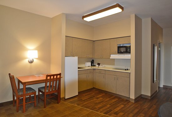Extended Stay America - Anchorage - Downtown: Fully-Equipped Kitchens