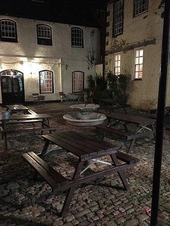 Old Crown Coaching Inn: photo0.jpg