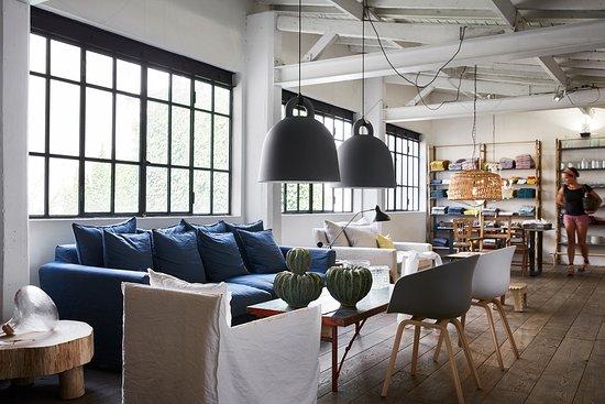 l espace meubles situe Résultat Supérieur 60 Élégant Mobilier De Boutique Pic 2018 Hiw6