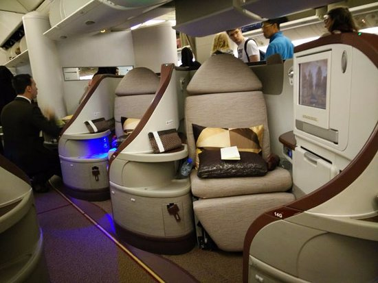 Business Class seats on the 77W leased from Jet Airways ...