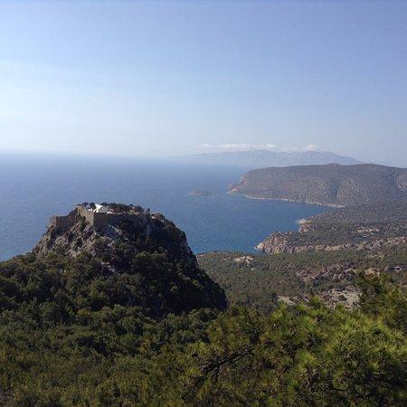 Achousa Hotel: Крепость Монолитос на Эгейском побережье