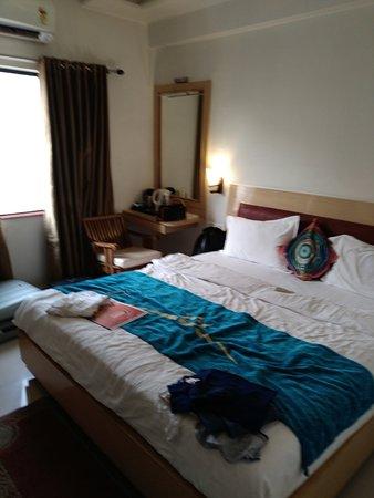 Hotel Poonam Plaza Photo