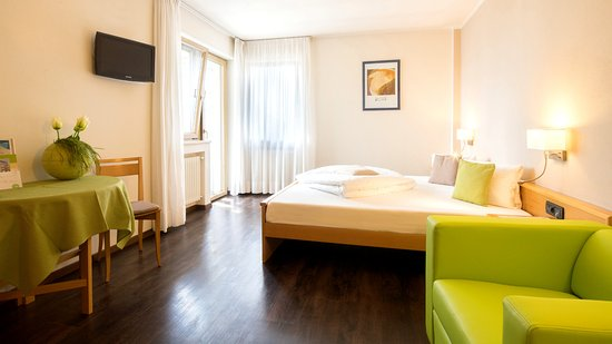 "Hotel Residence Flora Meran: Standard Room ""Rose"""