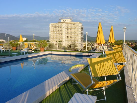 Abano Terme, Italy: Roof top swimming pool