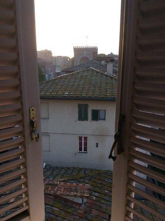 Hotel Italia: Vue chambre