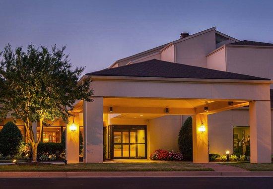 The 10 best williamsburg hotel deals oct 2016 tripadvisor - Busch gardens williamsburg vacation packages ...