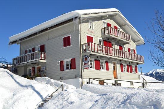 Tschappina, Suiza: Gasthaus Alpina im Winter