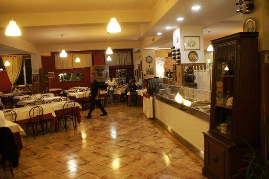 Zafferana Etnea, อิตาลี: Svamp står i centrum på denna restaurang.