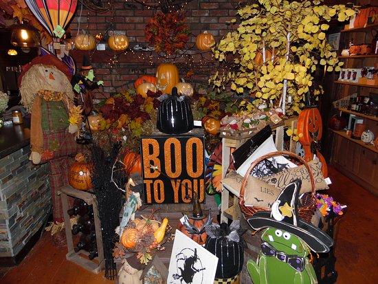 Cobleskill, NY: October at Grapevine Farms happen Halloween