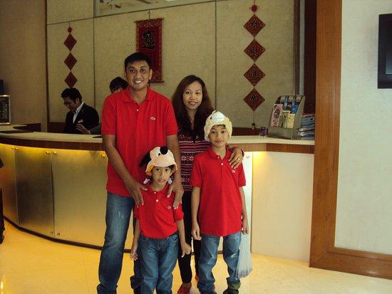 Silka West Kowloon Hotel: at the hotel lobby