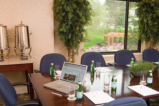 Bedford, MA: Boardroom