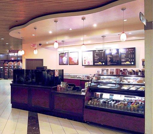 Doubletree by Hilton Anaheim - Orange County: Starbucks